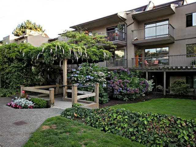 Main Photo: 105 251 W 4TH STREET in : Lower Lonsdale Condo for sale : MLS®# V1125296