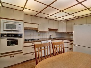 Photo 12: 16038 94A Avenue in Edmonton: Zone 22 House for sale : MLS®# E4255588