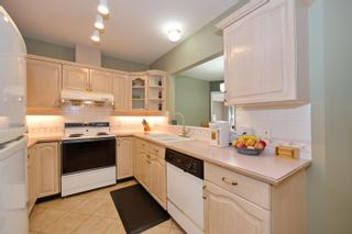 """Photo 10: 5 3701 THURSTON Street in Burnaby: Central Park BS Townhouse for sale in """"THURSTON GARDENS"""" (Burnaby South)  : MLS®# R2615333"""