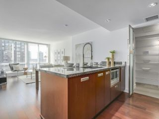 Photo 8: 1706 1055 RICHARDS STREET in Vancouver: Downtown VW Condo for sale (Vancouver West)  : MLS®# R2293878