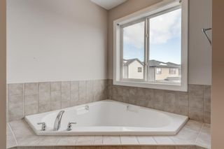 Photo 18: 11 Everhollow Crescent SW in Calgary: Evergreen Detached for sale : MLS®# A1062355