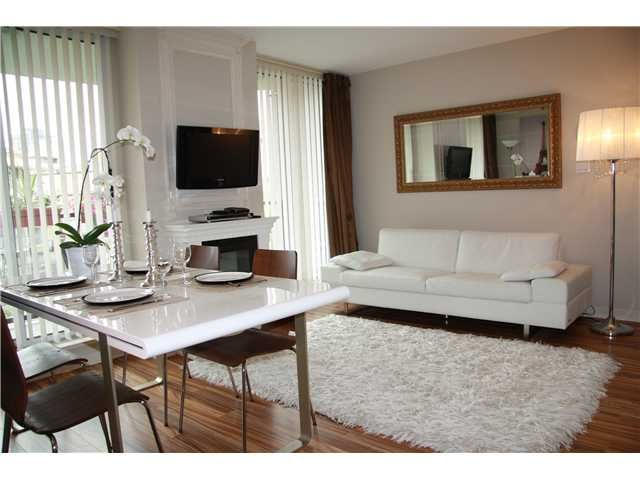 """Main Photo: 409 1212 HOWE Street in Vancouver: Downtown VW Condo for sale in """"1212 HOWE"""" (Vancouver West)  : MLS®# V935437"""