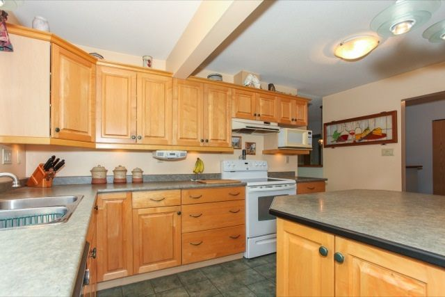 """Photo 9: Photos: 6079 132A Street in Surrey: Panorama Ridge House for sale in """"North Ridge"""" : MLS®# R2065157"""