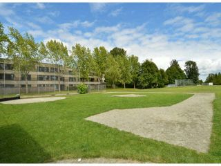 "Photo 19: 213 15275 19 Avenue in Surrey: King George Corridor Condo for sale in ""Village Terrace"" (South Surrey White Rock)  : MLS®# F1425373"