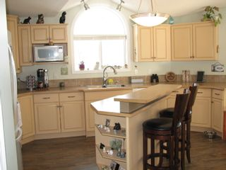 Photo 11: 68 1510 Tans Can Hwy: Sorrento Manufactured Home for sale (Shuswap)  : MLS®# 10225678