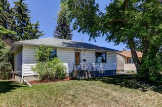 Main Photo: 512 Northmount Place NW in Calgary: Thorncliffe Detached for sale : MLS®# A1122280