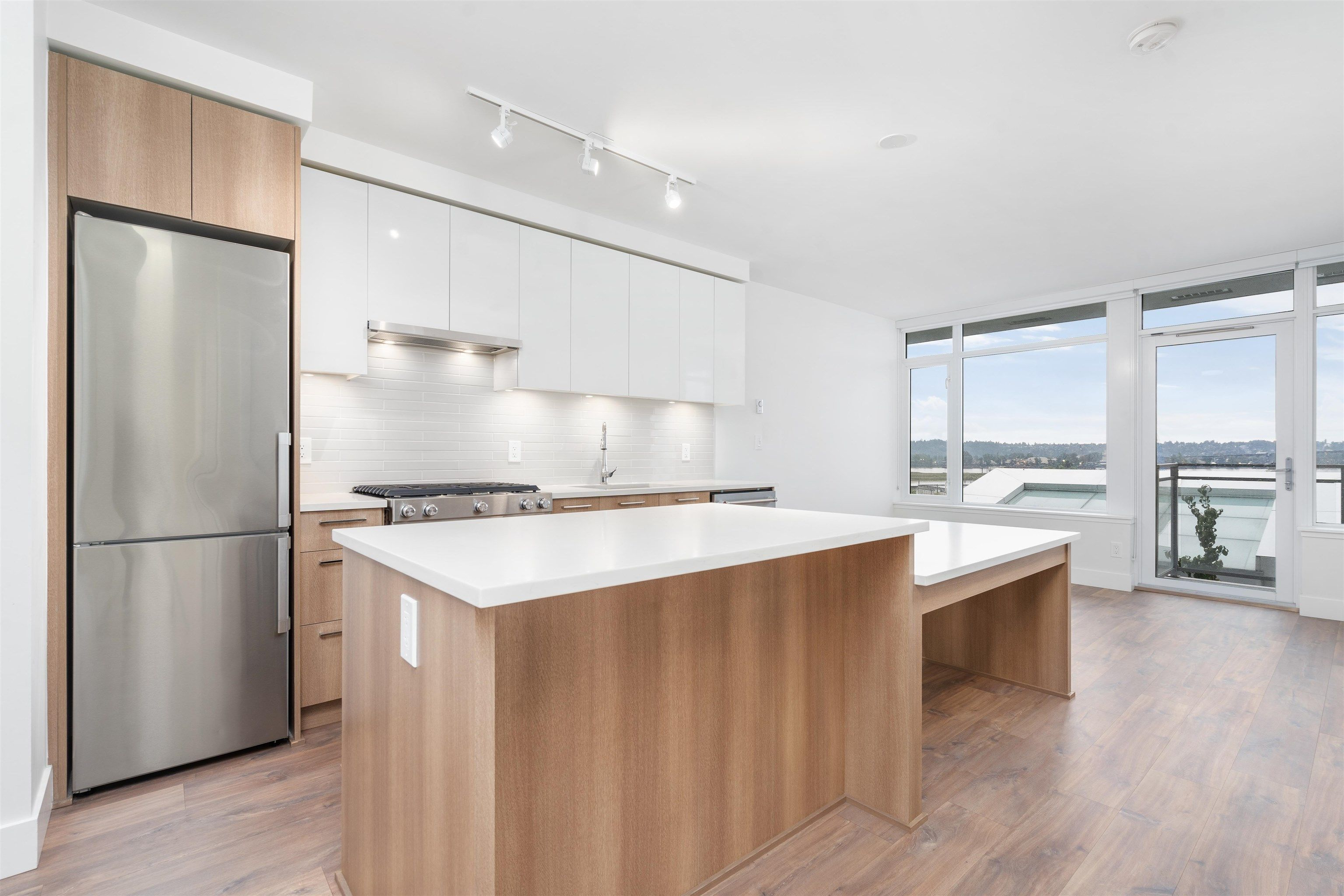 Main Photo: 211 258 NELSON'S Court in New Westminster: Sapperton Condo for sale : MLS®# R2624816
