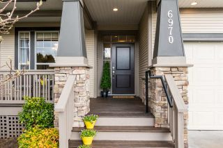 Photo 2: 6970 197A Street in Langley: Willoughby Heights House for sale : MLS®# R2247619