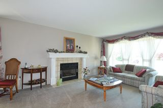 """Photo 7: 12217 CHESTNUT Crescent in Pitt Meadows: Mid Meadows House for sale in """"SOMERSET"""" : MLS®# R2073485"""