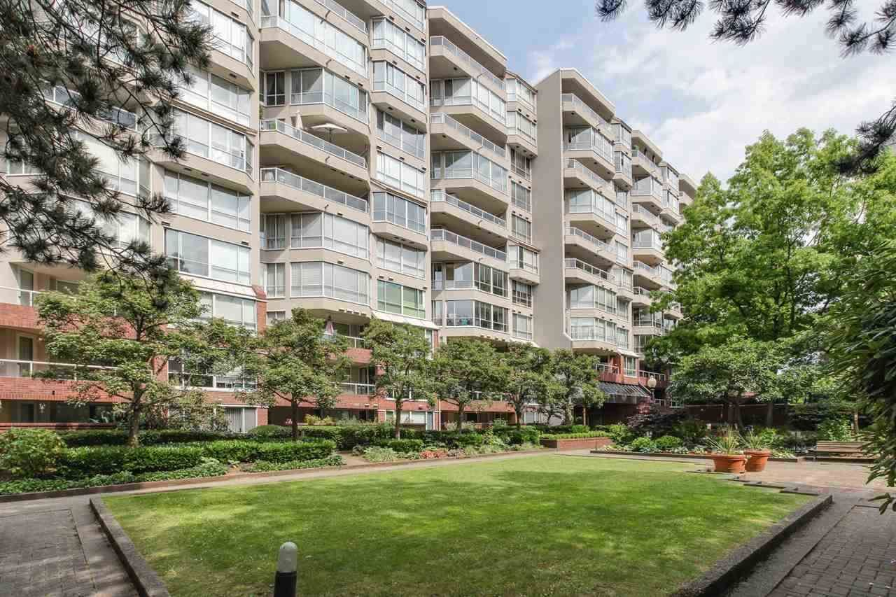 "Main Photo: 616 518 MOBERLY Road in Vancouver: False Creek Condo for sale in ""NEWPORT QUAY"" (Vancouver West)  : MLS®# R2285500"