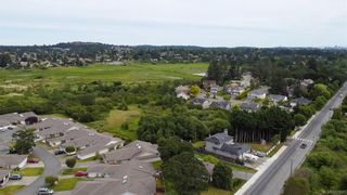 Photo 41: 1140 Knibbs Pl in Saanich: SW Strawberry Vale House for sale (Saanich West)  : MLS®# 842828