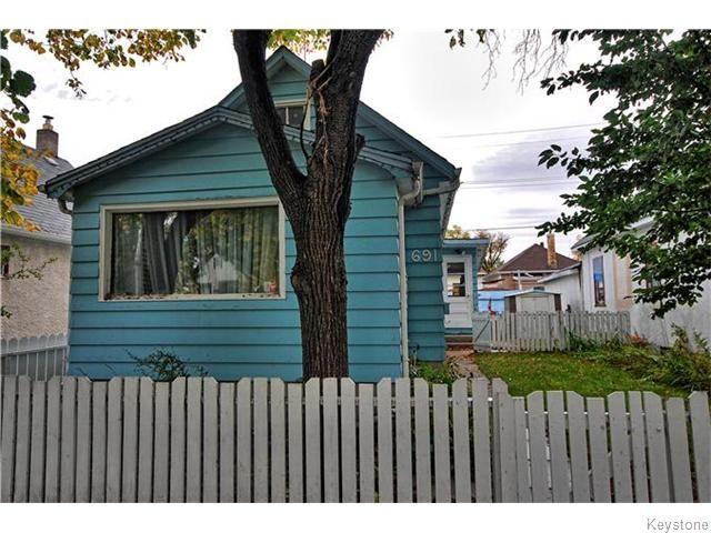 Main Photo: 691 Magnus Avenue in WINNIPEG: North End Residential for sale (North West Winnipeg)  : MLS®# 1527086