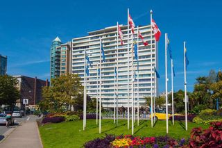 """Photo 31: 2001 1835 MORTON Avenue in Vancouver: West End VW Condo for sale in """"Ocean Towers"""" (Vancouver West)  : MLS®# R2585366"""