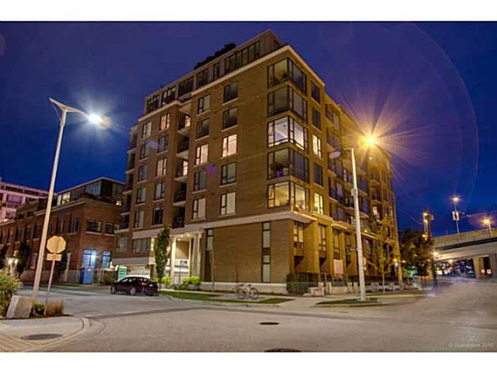 "Main Photo: 304 1919 WYLIE Street in Vancouver: False Creek Condo for sale in ""MAYNARDS BLOCK"" (Vancouver West)  : MLS®# R2053136"