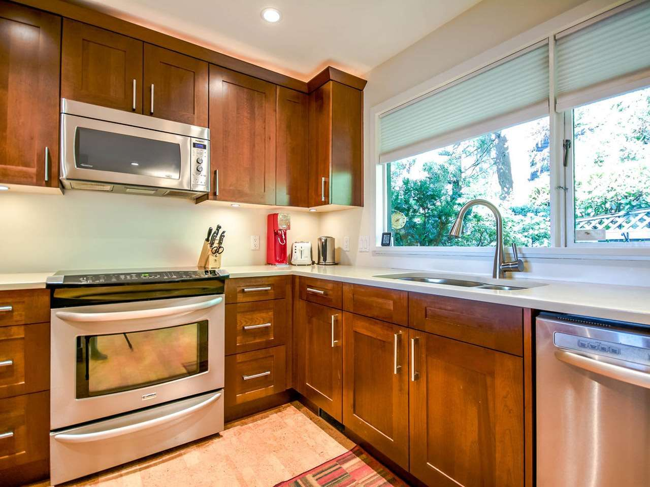 """Main Photo: 1036 LILLOOET Road in North Vancouver: Lynnmour Townhouse for sale in """"Lillooet Place"""" : MLS®# R2061243"""