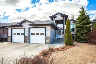 Photo 1: 303 Brookside Court in Warman: Residential for sale : MLS®# SK864078
