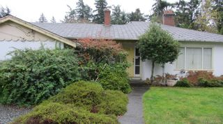 Photo 1: 1977 Colwood Cres in Colwood: Co Colwood Corners House for sale : MLS®# 674006