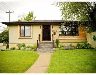Photo 2: 2104 16 Street SW in CALGARY: Bankview Residential Detached Single Family for sale (Calgary)  : MLS®# C3387263