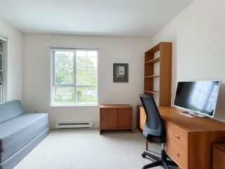 """Photo 12: 210 2105 W 42ND Avenue in Vancouver: Kerrisdale Condo for sale in """"BROWNSTONE"""" (Vancouver West)  : MLS®# R2582976"""