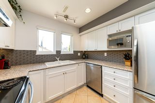 Photo 12: 1106 ST. GEORGES Avenue in North Vancouver: Central Lonsdale Townhouse for sale : MLS®# R2460985
