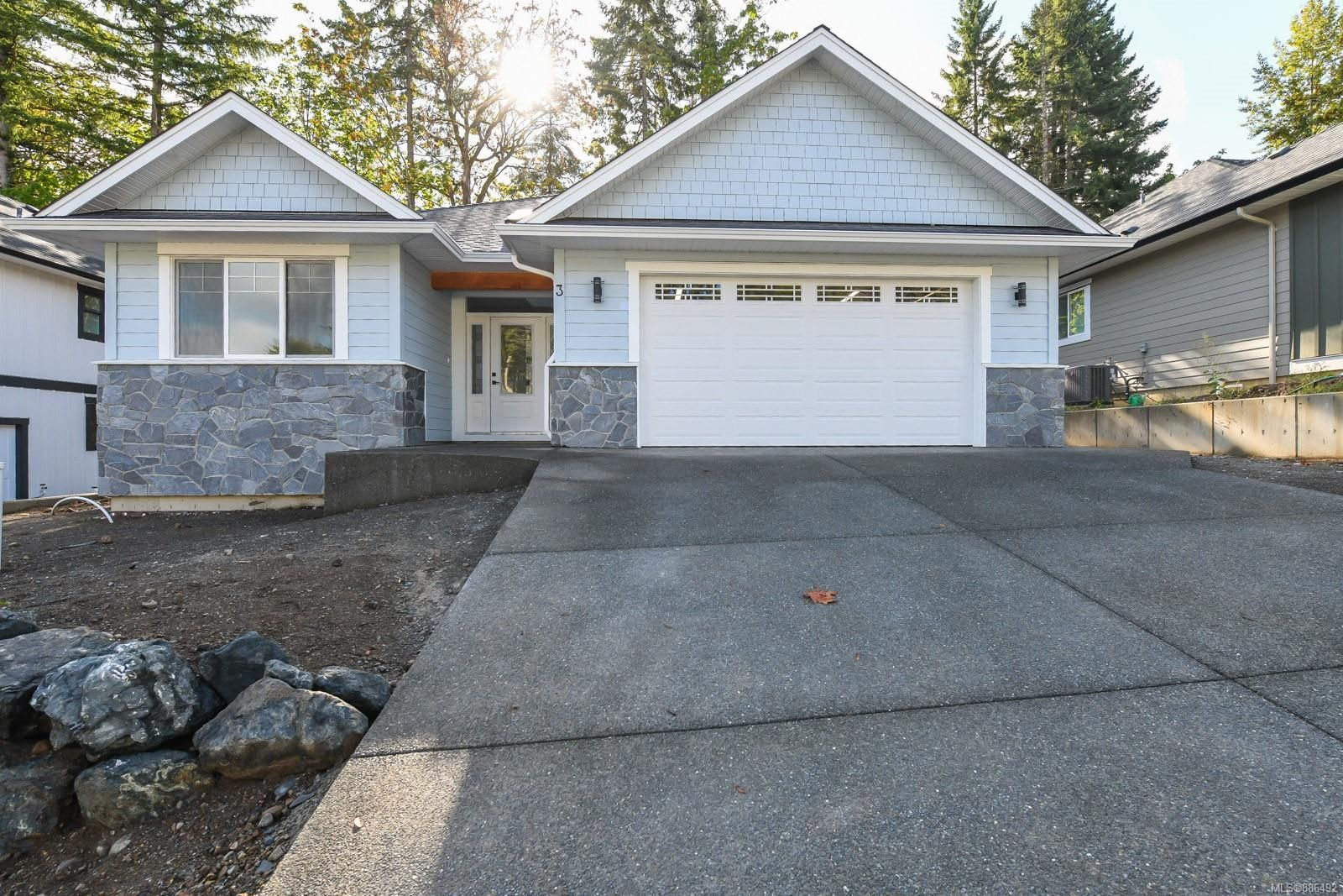 Main Photo: 3 2880 Arden Rd in : CV Courtenay City House for sale (Comox Valley)  : MLS®# 886492