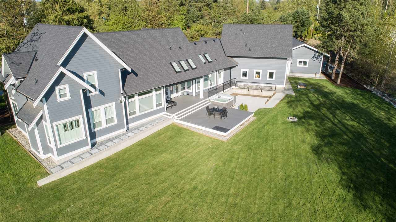 Main Photo: 25556 60 Avenue in Langley: Salmon River House for sale : MLS®# R2361847