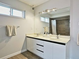 Photo 2: 5011 Hollymount Gate in Richmond: Steveston North Duplex for sale : MLS®# V1072790