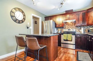 Photo 5: 9126 212A Place in Langley: Walnut Grove House for sale : MLS®# R2347718