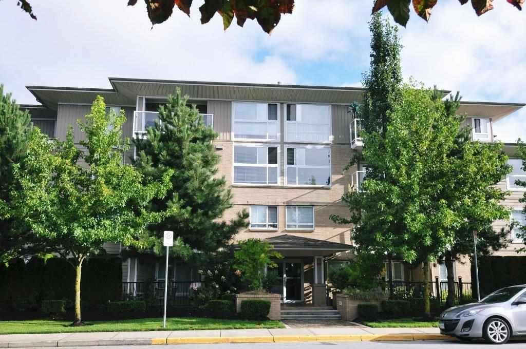 """Main Photo: 306 22255 122 Avenue in Maple Ridge: West Central Condo for sale in """"MAGNOLIA GATE"""" : MLS®# R2303872"""