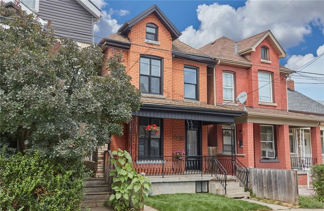 Main Photo: 213 Mary Street in Hamilton: House for sale : MLS®# H4116424