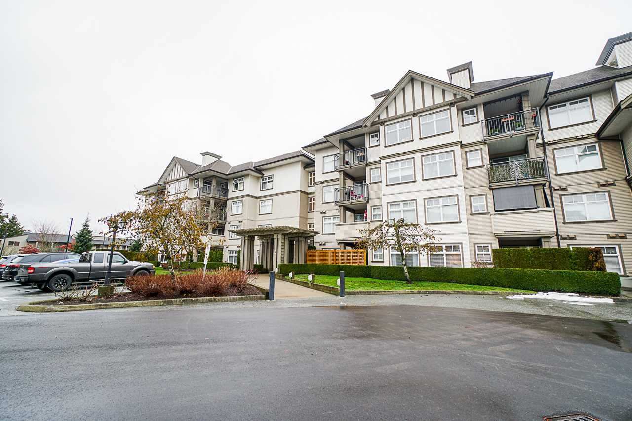 """Main Photo: 147 27358 32 Avenue in Langley: Aldergrove Langley Condo for sale in """"Willow Creek Phase 4"""" : MLS®# R2524910"""