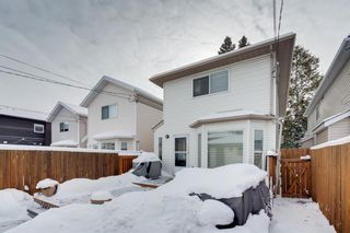 Photo 2: 434 56 Avenue SW in Calgary: Windsor Park Detached for sale : MLS®# A1068050