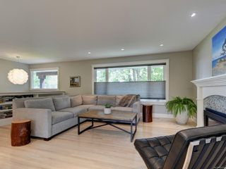 Photo 3: 832 Alvarado Terr in : SE Cordova Bay House for sale (Saanich East)  : MLS®# 875592