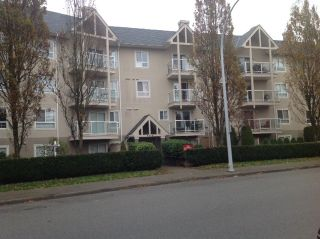 Photo 4: 215 8110 120A STREET in Surrey: Queen Mary Park Surrey Condo for sale : MLS®# R2119937