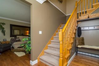 Photo 2: 18449 68 Avenue in Surrey: Cloverdale BC House for sale (Cloverdale)  : MLS®# R2163355