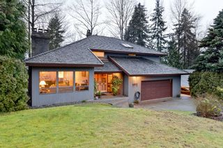 Photo 1: 1012 CORONA Crescent in Coquitlam: Chineside House for sale : MLS®# R2433347