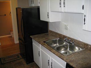 "Photo 5: 205 8820 NO 1 Road in Richmond: Boyd Park Condo for sale in ""APPLE GREEN PARK"" : MLS®# V853505"