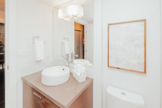 """Photo 12: 2408 10777 UNIVERSITY Drive in Surrey: Whalley Condo for sale in """"City Point"""" (North Surrey)  : MLS®# R2543029"""