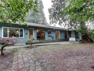 Photo 1: 909 SEYMOUR Boulevard in North Vancouver: Seymour NV House for sale : MLS®# R2541431