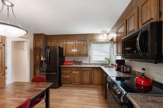 Photo 8: 7 Woodmont Rise SW in Calgary: Woodbine Detached for sale : MLS®# A1092046