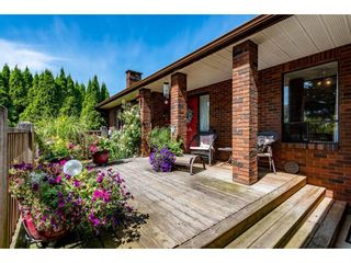 Photo 2: 33505 KIRK Avenue in Abbotsford: Poplar House for sale : MLS®# R2486537