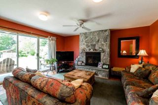 "Photo 2: 2242 READ Crescent in Squamish: Garibaldi Highlands House for sale in ""GARIBALDI ESTATES"" : MLS®# R2067510"