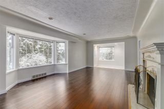 Photo 5: 1069 MONTROYAL Boulevard in North Vancouver: Canyon Heights NV House for sale : MLS®# R2563450