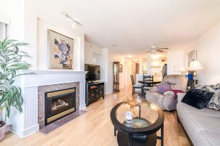 """Photo 3: 701 612 SIXTH Street in New Westminster: Uptown NW Condo for sale in """"THE WOODWARD"""" : MLS®# R2390390"""