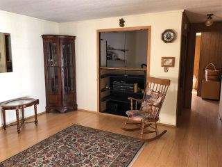 """Photo 5: 43 4116 BROWNING Road in Sechelt: Sechelt District Manufactured Home for sale in """"ROCKLAND WYND MOBILE HOME PARK"""" (Sunshine Coast)  : MLS®# R2580958"""
