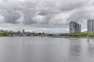 Photo 17: TH107 1288 MARINASIDE Crescent in Vancouver: Yaletown Townhouse for sale (Vancouver West)  : MLS®# R2276304