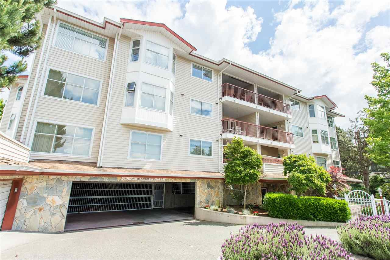 Main Photo: 305 5776 200 STREET in : Langley City Condo for sale : MLS®# R2070883