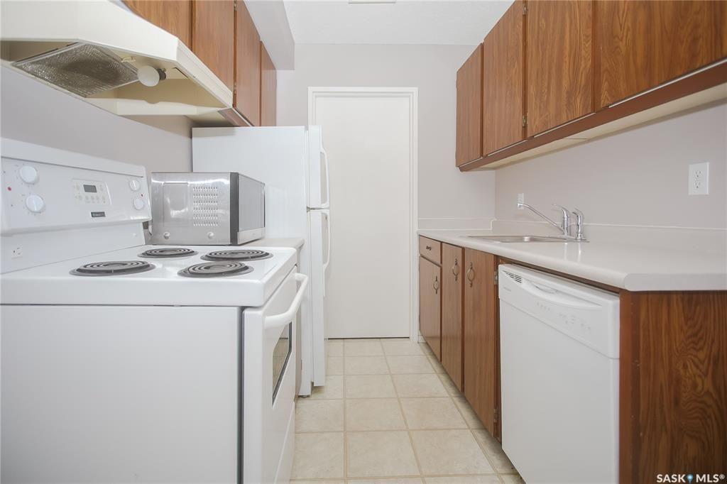 Photo 9: Photos: 101 411 Tait Court in Saskatoon: Wildwood Residential for sale : MLS®# SK834232