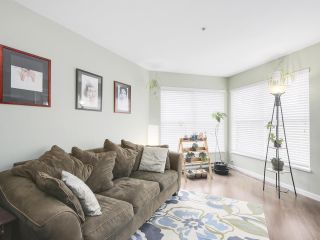 """Photo 3: 206 509 CARNARVON Street in New Westminster: Downtown NW Condo for sale in """"HILLSIDE PLACE"""" : MLS®# R2150025"""