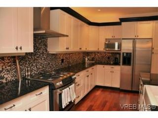 Photo 3: 2196 Nicklaus Dr in VICTORIA: La Bear Mountain House for sale (Langford)  : MLS®# 552756